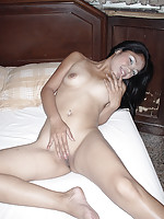 Blowjob from shaved and happy Thai hostess Tan afterwork