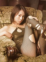 Emi Hasegawa adorable Japanese model in some very hot pictures