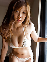 Curvaceous asian babe is jaw dropping in her dainty white panties