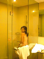 Filipina girl who is a celebrity caught naked