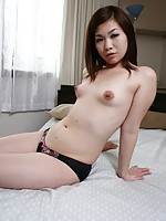 Shaved pussy Japanese MILF gets fucked