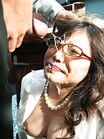 Filthy secretary Ibuki deepthroated and facialized in glasses