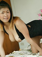 Cutie from Thailand strips from sexy black outfit