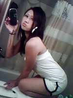 really hot body on this curvy asian girl who knows how to pose