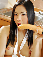 Dildo play with Thai babe Ke