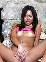 Shaved babe Carla showing pussy