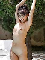 Petite and shaved Mekumi buck naked