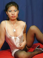 Pure amateur spreading her legs for the very first time in front of a camera