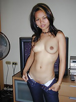 Cute naked amateur bargirl with a perfect body