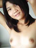 Shy 18 year old girl posing naked and flashing her peach for the very first time