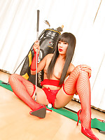 Thai golfer babe Sherri stripping