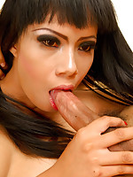 Blowjob with Thai girl Ning