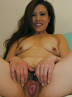 Japan MILF Yasuyo Kawada enjoys the feeling of being fuck to the climax.