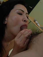 Mature Japanese babe Chisato Miura spreads her legs to reveal her pussy ready to take in cum.