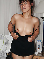 Thai slut gets drunk on beer and shows her pussy