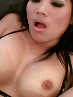 Watch this hot body babe suck and fuck before getting a cum blast