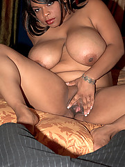Big tittied fatty gets a facial