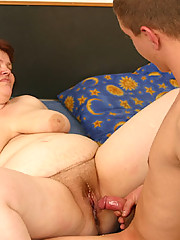 Chubby old slut gets a huge internal cumshot