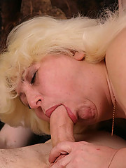 Sexy full blonde does her best to please the meat