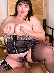 Plump with huge jugs give herself an extreme fuck