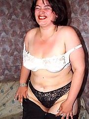 Mature plumper posing first time
