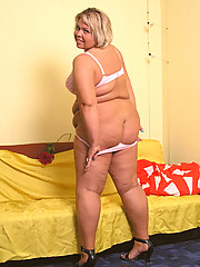Exciting horny plump blonde posing in doggy style