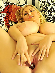 http://promo.plumperpass.com/content/pg/s38g/solograytop_photo/thumb.jpg