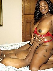 Fat Black Amateur Spreads Legs Wide