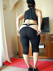 Daniella working out her curves in tight semi sheer leggins