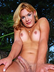 Hot transsexual Alexia posing outdoors
