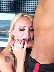 Hot tranny Erika enjoying Andre