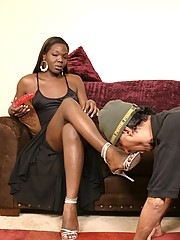 Hot Ebony Tranny Aniyah Gets Her Dick Sucked Dry