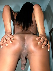 Ebony Rihanna Shows Her Cock And Asshole