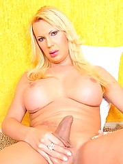 big boobs and phat ass mature shemale showing her fucked up body