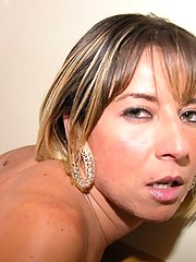 Samantha di Piacci putting the cock inside up the pussy of a babe Patricia Ventura