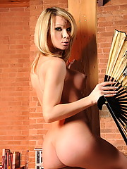 Magnificent transsexual Kelly Shore exposed