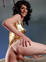 Glamorous TS Mandy Mitchell posing exclusively