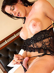 Tantalyzing tranny with seductive bedroom eyes and huge tits