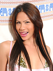 Tanzie has a great smile, lovely big boobs and a massive cock!