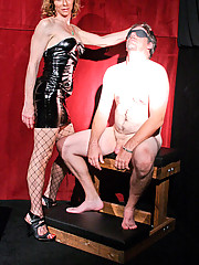 Mistress Jasmine Jewels dominates her shady mechanic