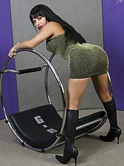Mistress Foxxy is one of the most recognisable new shemale superstars and has been based in Vegas for the last 5 yrs.