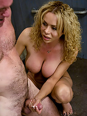Shemale Gia Darling fuck her bitch in the ass..
