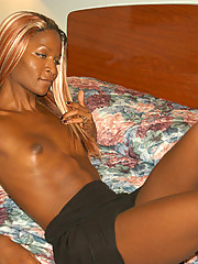 Really exotic tranny banging some dude then getting banged herself