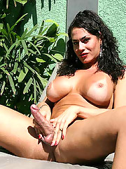 This hot tranny babe loves gettin facials