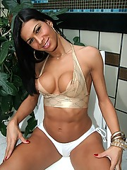 This super cute tranny is gettin down and gettin fuckd poolside proper in these hot pics