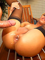 This sexy blond tranny just wanted her hot stud to fill her up with his manshowder
