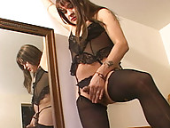 Maxima is flirty and fun cross dresser with a cock that\