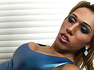 Kinky shemale Paola Lima in hardcore action