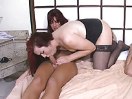 T-girl blows her load on tranny rack