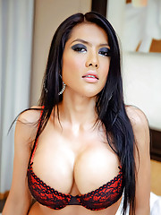 Slutty Oriental tranny drips with warm cum